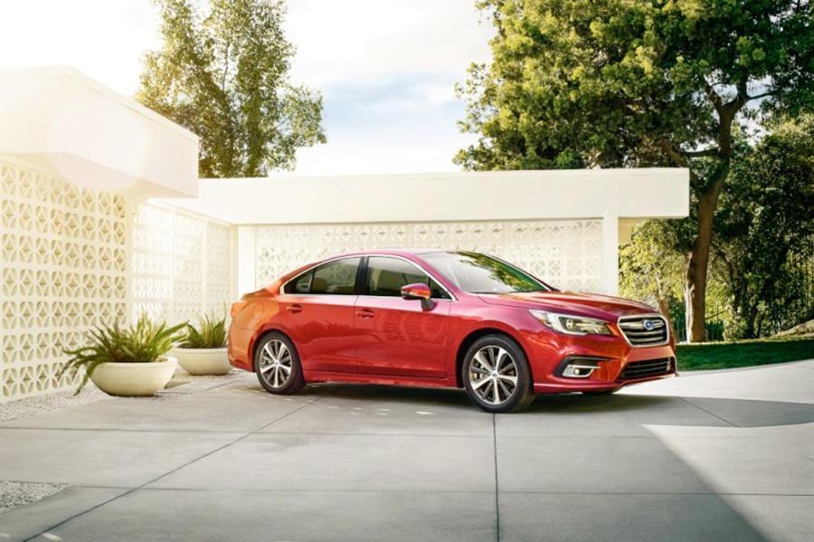 Subaru Legacy перенесла легкий рестайлинг