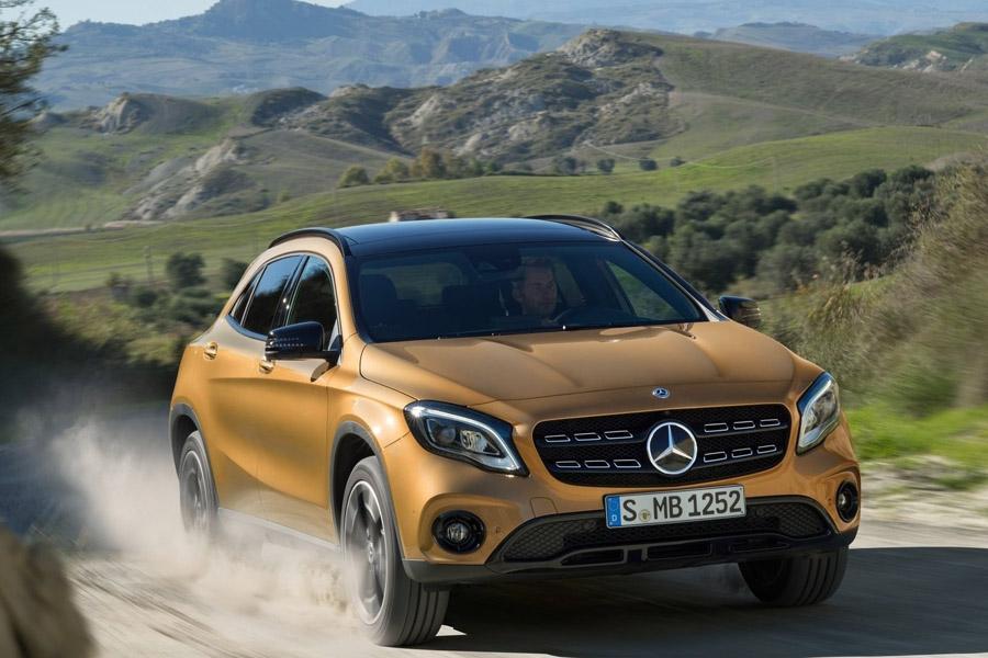 Mercedes назвал российские цены на четыре новинки