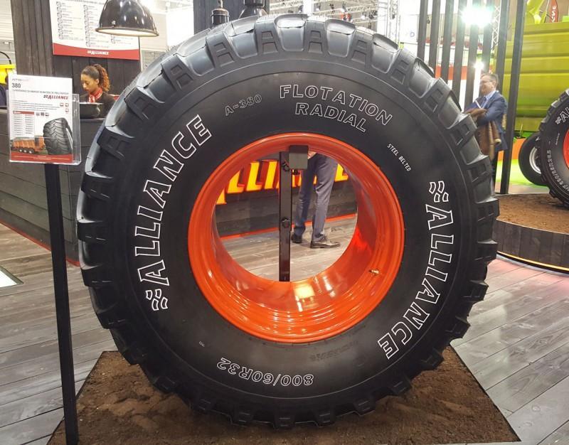 ATG представила в Париже самую широкую шину сельхозлинейки Alliance А-380