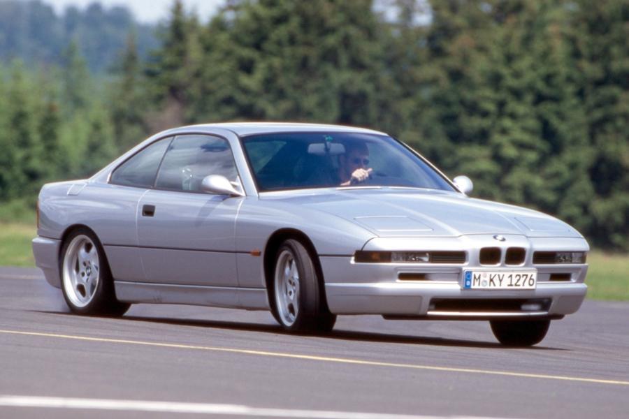 BMW возродит восьмую серию в трех типах кузова