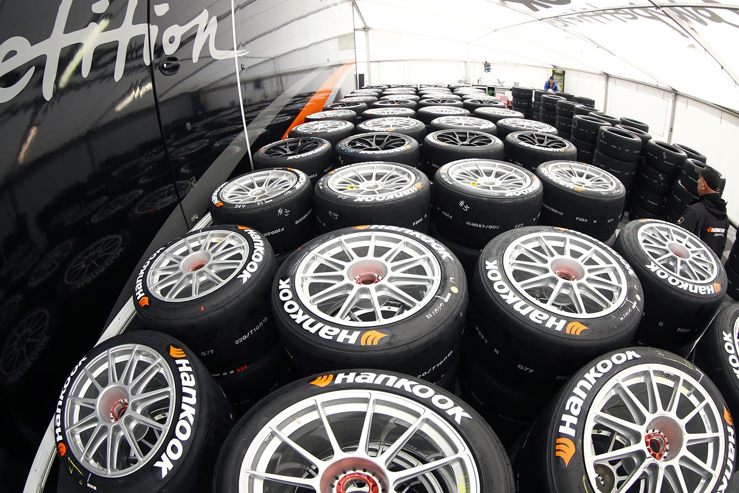 Hankook разработала новые слики Ventus Race для серии DTM