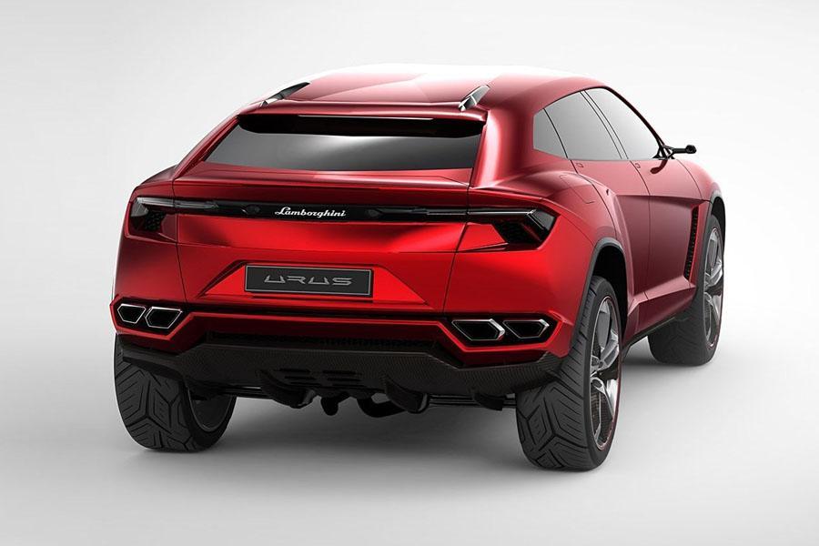 Lamborghini Urus: машины нет, а спрос есть