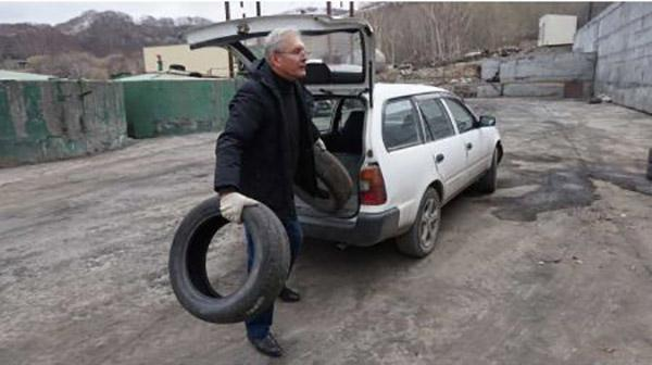 В «не резиновом» Петропавловске-Камчатском за два дня собрали полторы тысячи шин