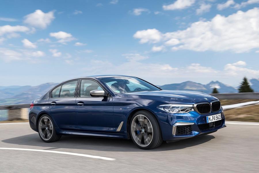 У BMW не будет машины без руля и педалей