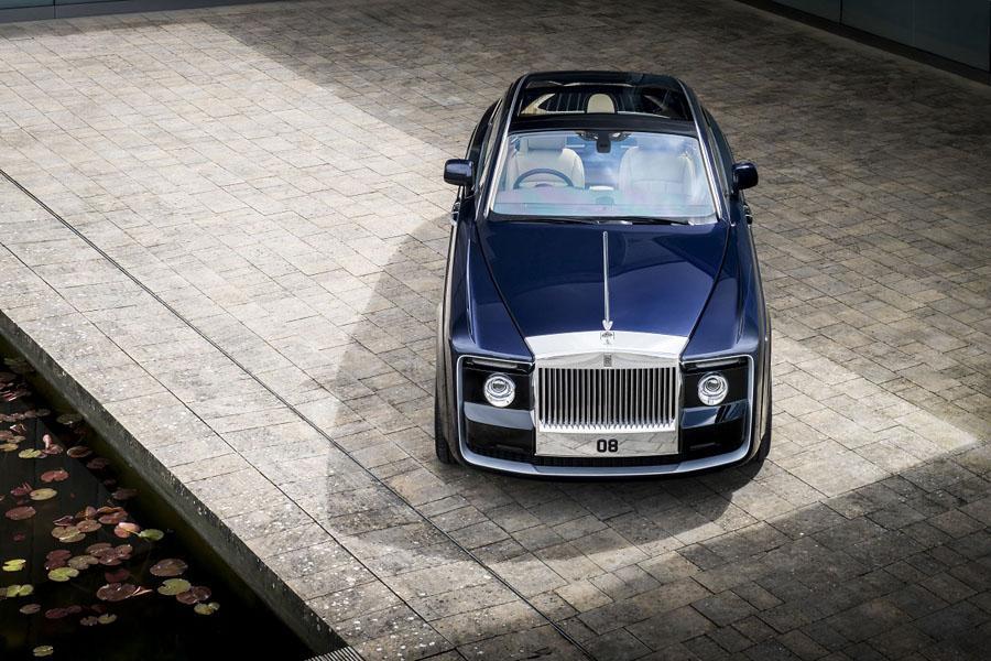 Rolls-Royce построил автомобиль по спецзаказу