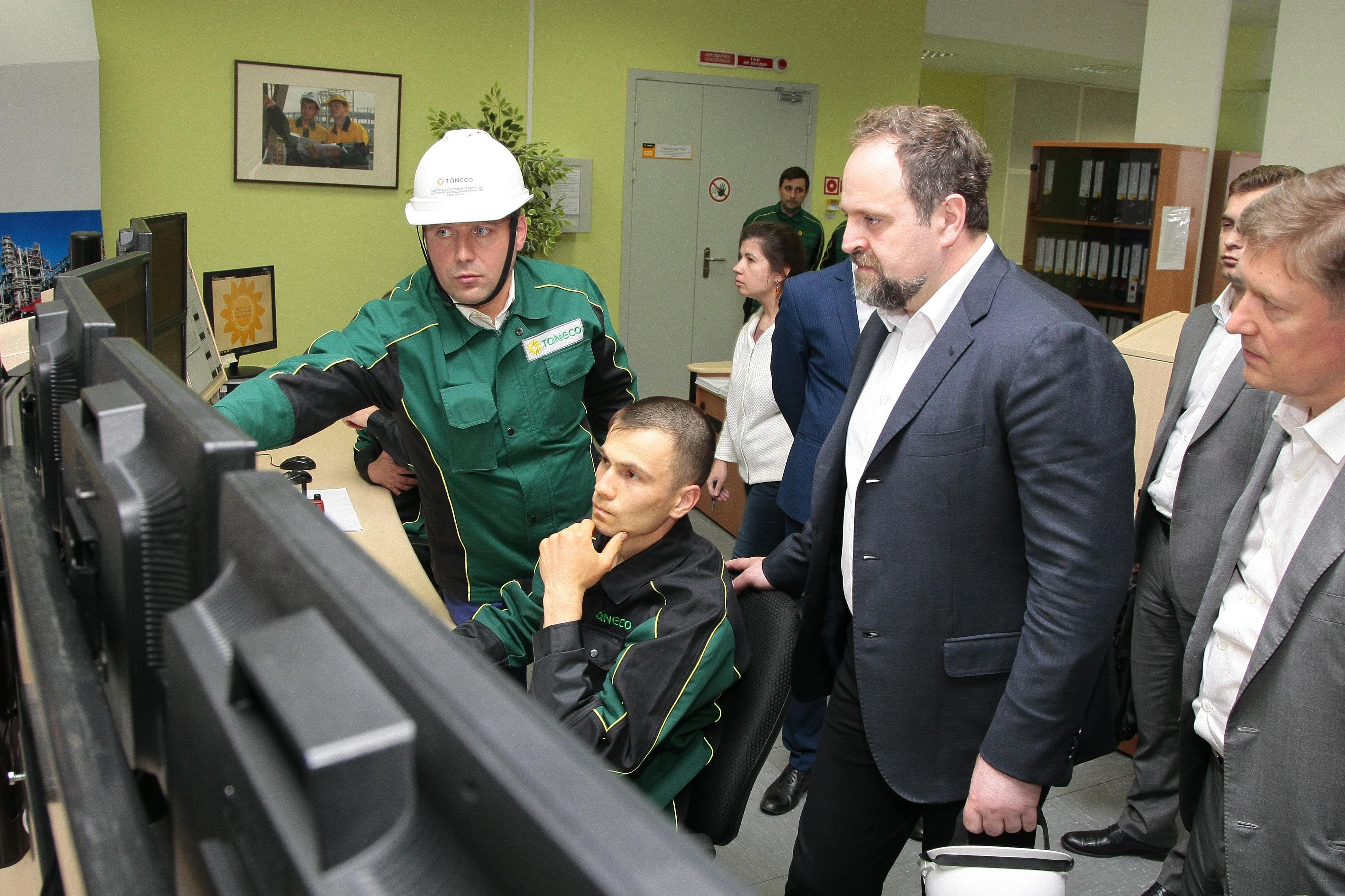 Российский министр экологии посетил Нижнекамский завод ЦМК-шин