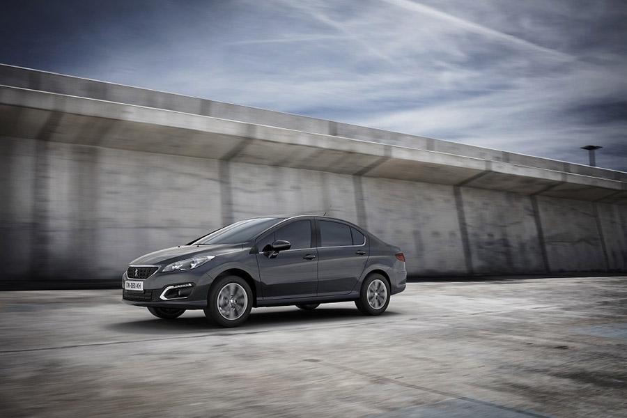 Рестайлинговый Peugeot 408 будет стоить от 950 000 рублей