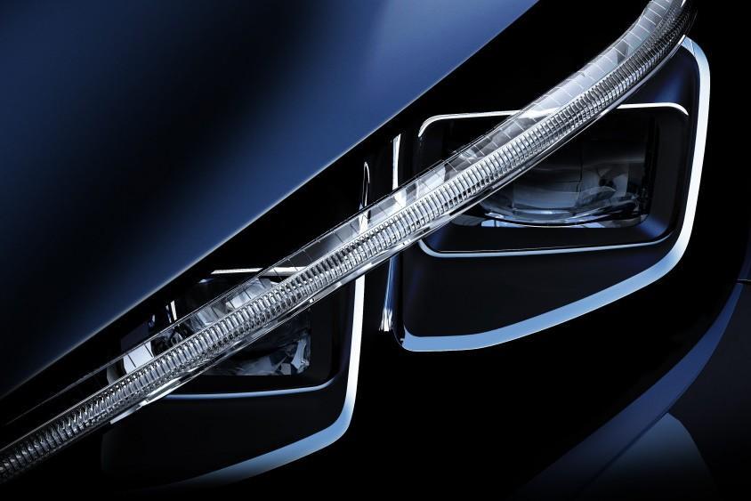 Nissan Leaf покажет инновационную систему управления