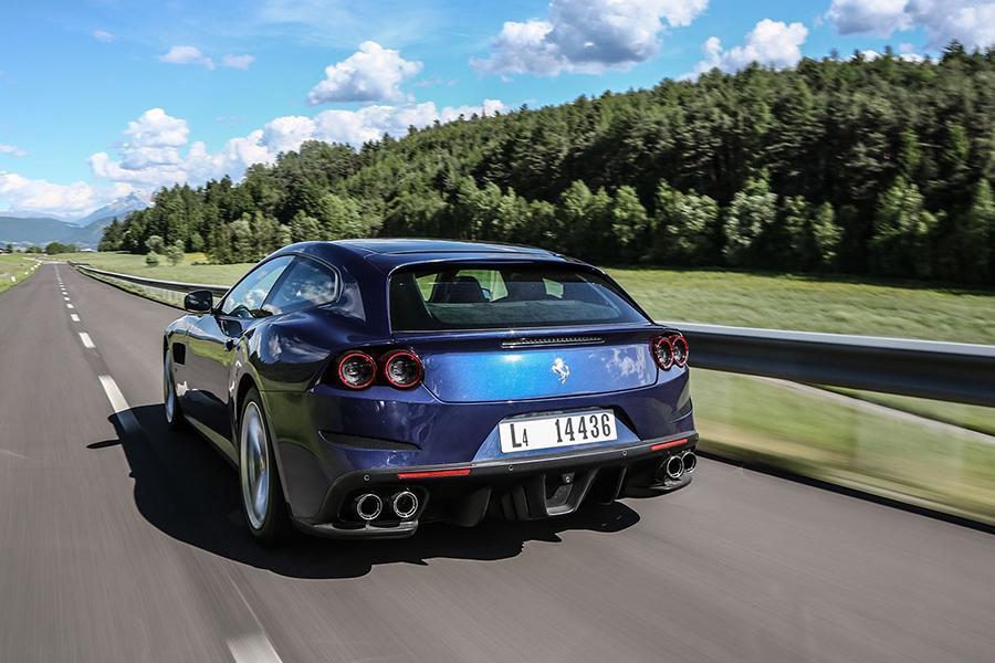 Ferrari дает на свои машины 15 лет гарантии