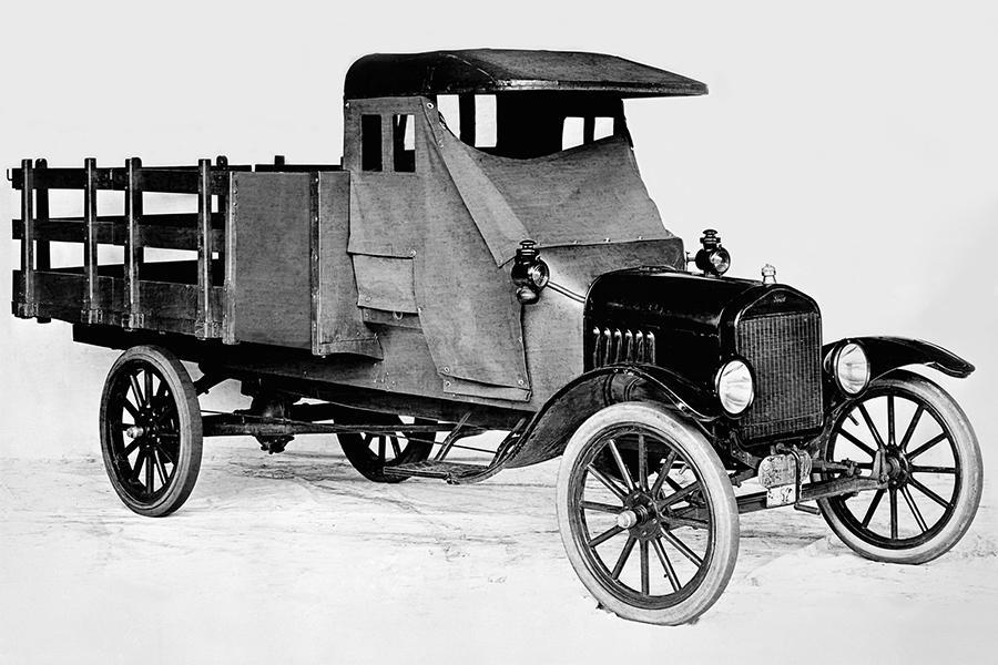 Ford отметил столетие своего первого грузовика