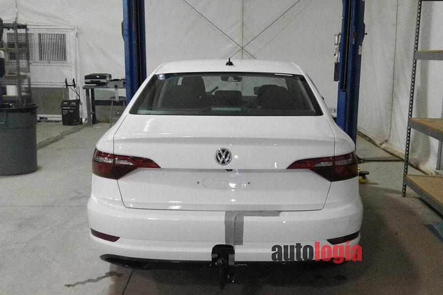 Новый Volkswagen Jetta впервые попал в объектив