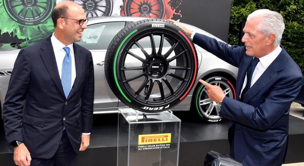 Автомобили итальянского дипкорпуса обуют в шины Pirelli P Zero Tricolore