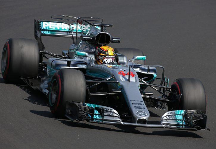 Льюис Хэмилтон отметил прогресс Mercedes в работе с шинами Pirelli