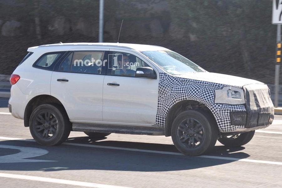 Возрожденный Ford Bronco попался автопапарацци