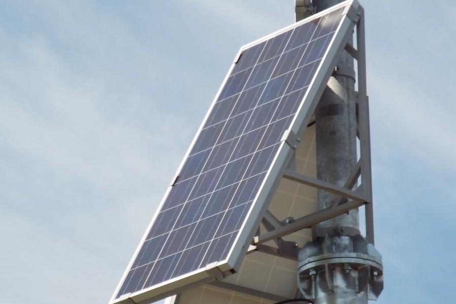 В столице появился светофор на солнечных батареях