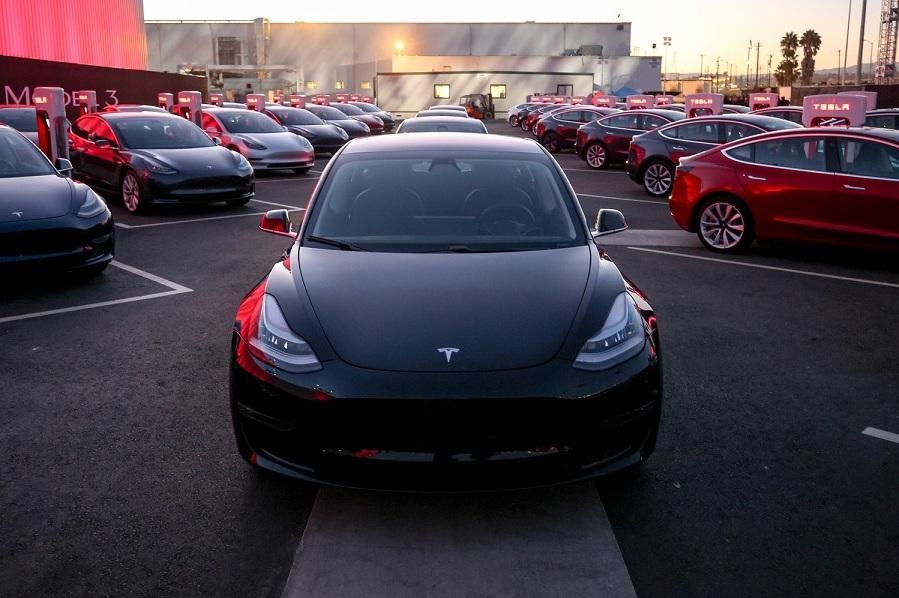 Абрамович оказался крупнейшим заказчиком Tesla из России