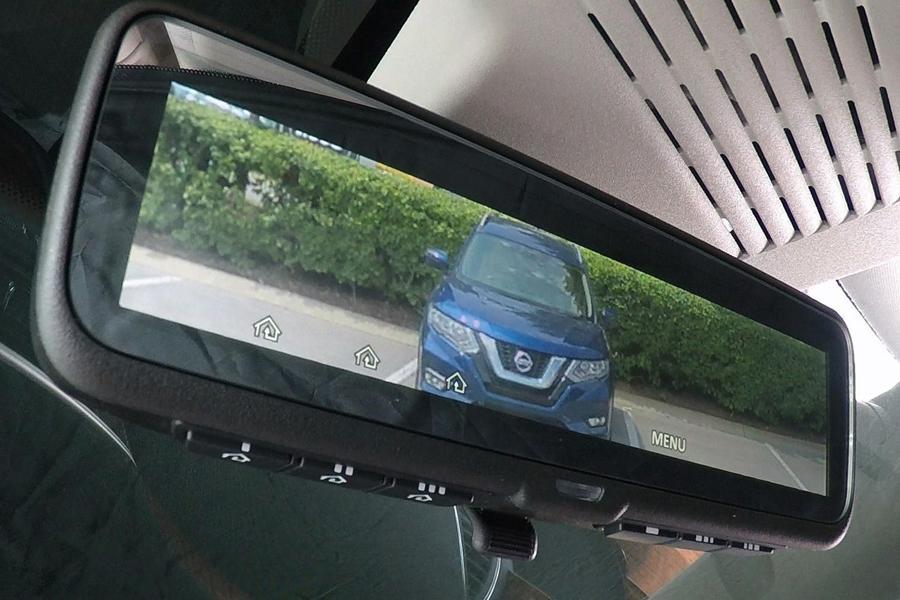 Nissan выпустил внедорожник с «видеозеркалом»