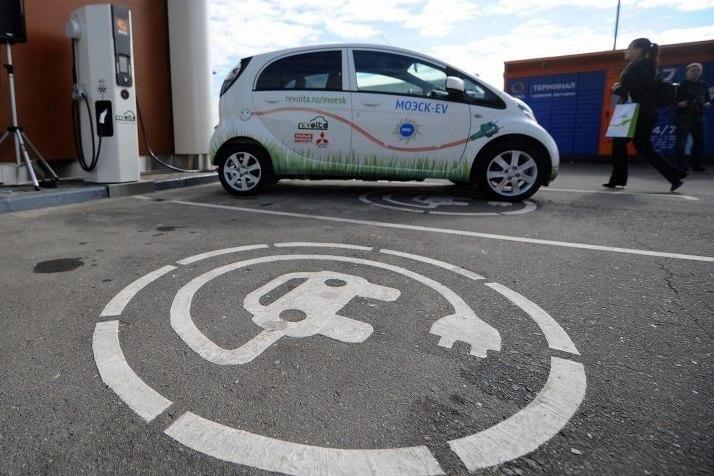 В Москве появились парковки для электромобилей