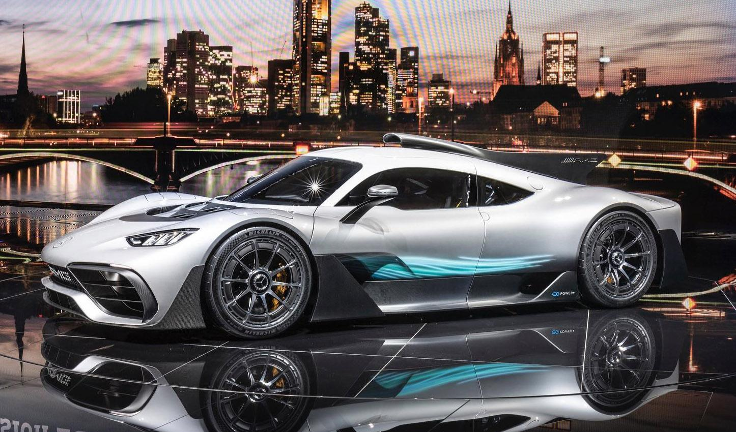 Новый гиперкар Mercedes-AMG Project One обули в шины Michelin