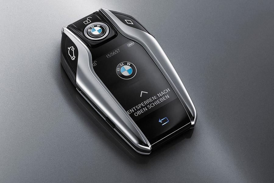 BMW заменит ключ смартфоном