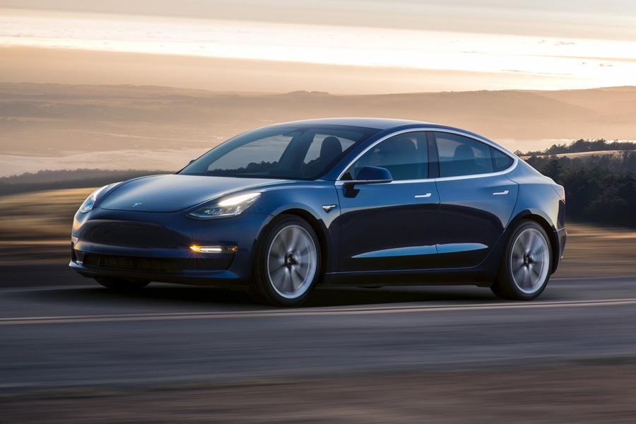 Tesla Model 3 можно заказать из России