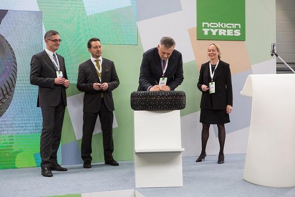 Завод Nokian Tyres во Всеволожске выпустил 100-миллионную шину