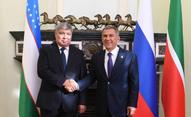 Нижнекамский завод шин ЦМК посетила делегация из Узбекистана