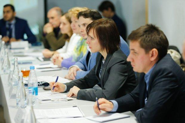 В Волжском обсудили дорожную карту российской шинной промышленности