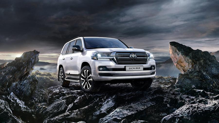 Toyota показала самый дорогой Land Cruiser 200