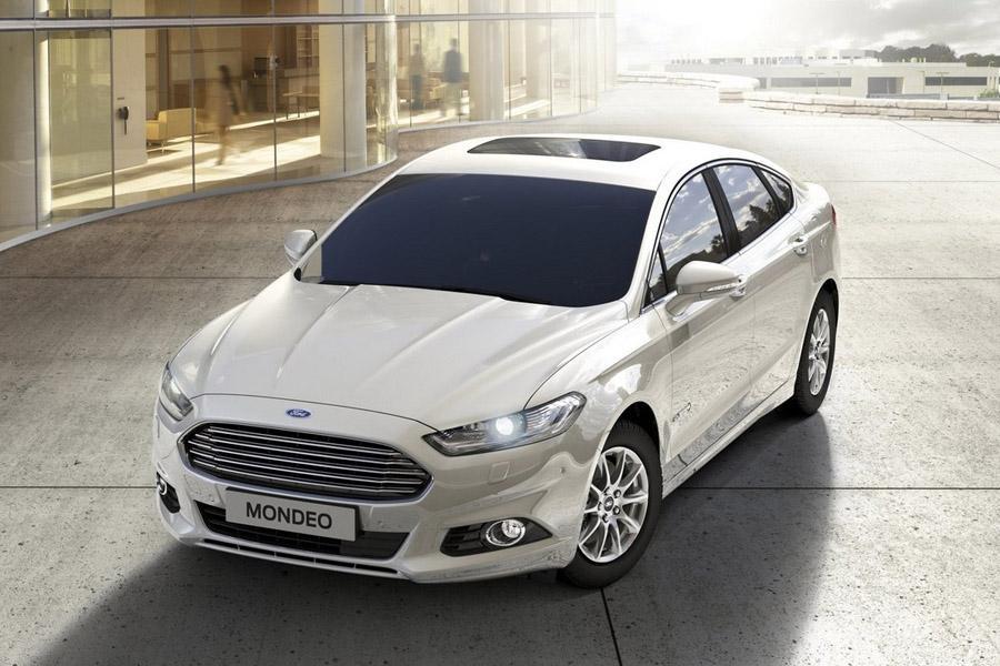 Ford отзывает в России седаны Mondeo