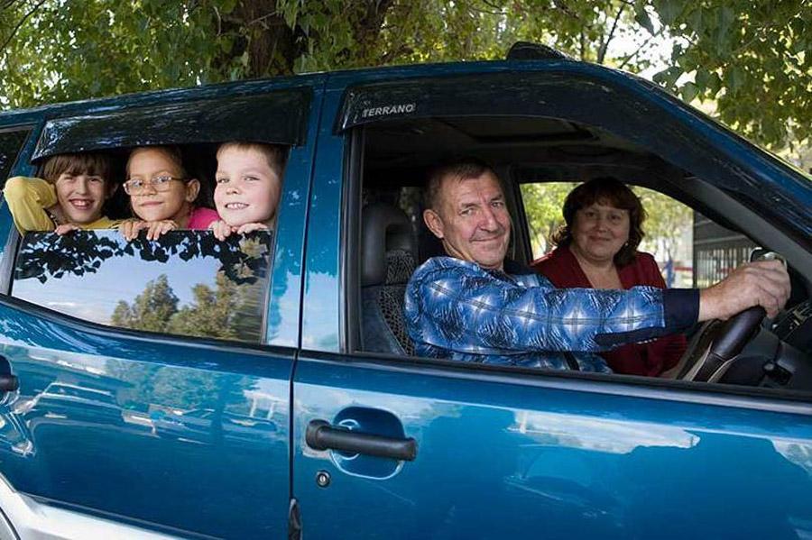 Многодетные семьи могут освободить от уплаты транспортного налога