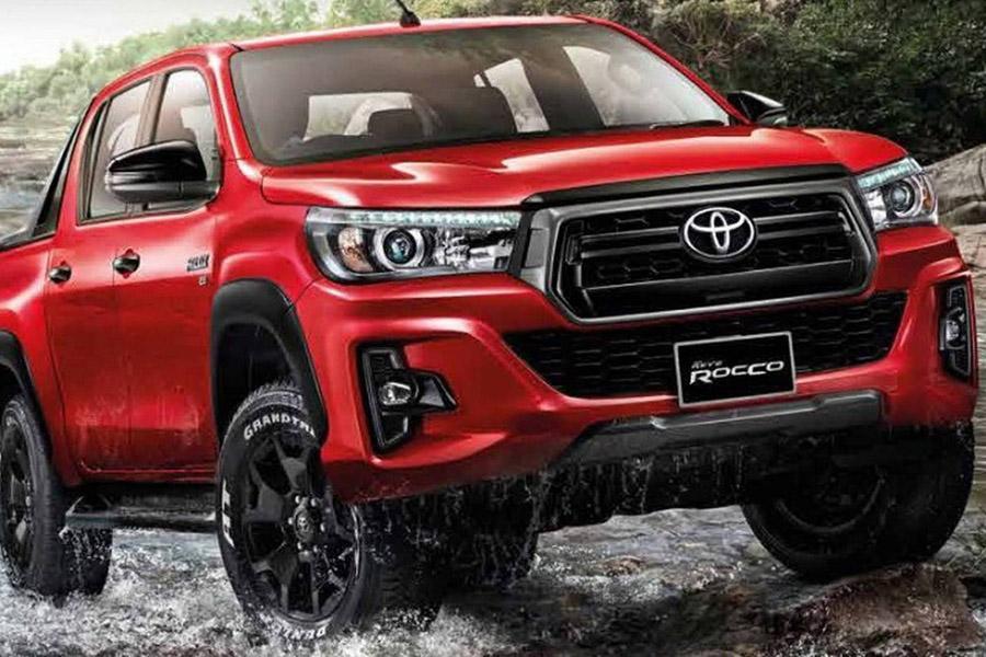 Toyota Hilux обновила макияж
