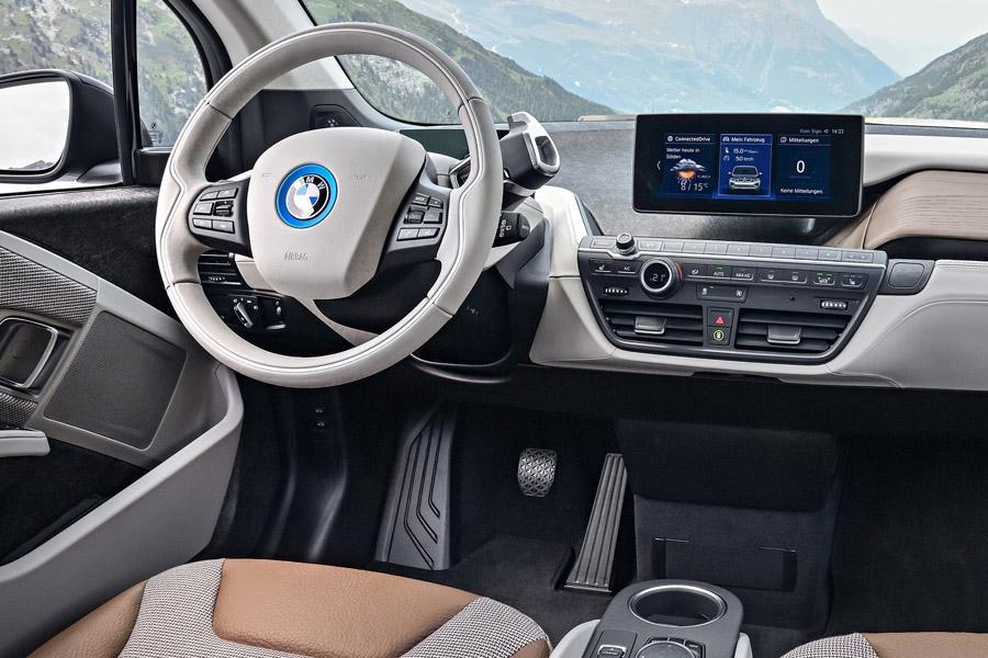 BMW приостановил продажи модели i3
