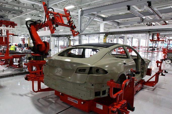 Электромобили Tesla сходят с конвейера с массой дефектов