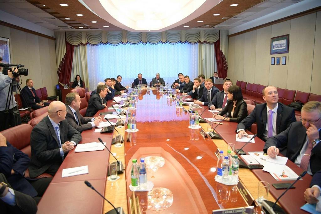 Делегация Алтайского края посетила Нижнекамский завод шин ЦМК