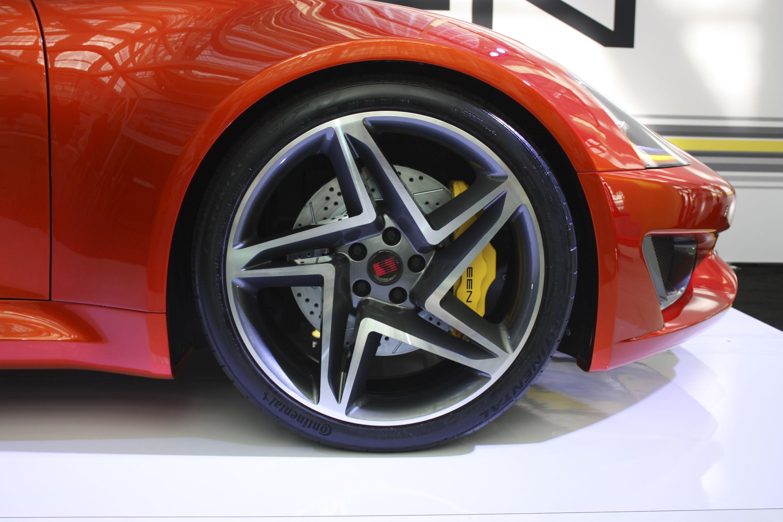 Для нового суперкара Saleen S1 выбрали шины Continental