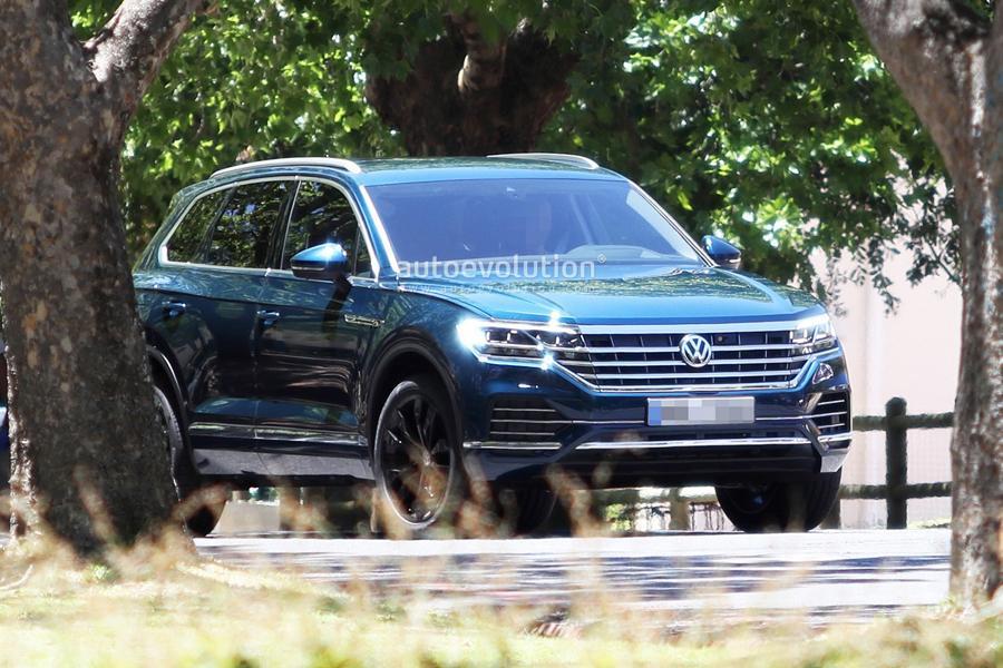 Новый Volkswagen Touareg засветился без камуфляжа
