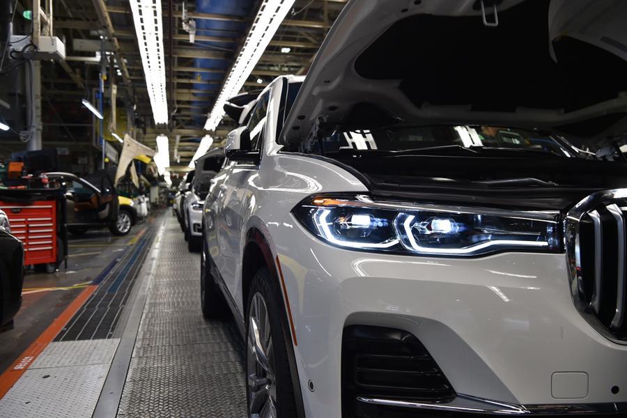 BMW X7 уже встал на конвейер
