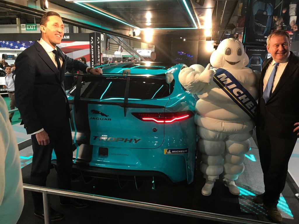Электрические спорткары серии Jaguar I-Pace eTrophy поедут на шинах Michelin