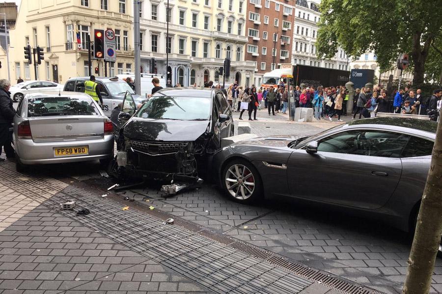 Британские страховщики подняли цены для водителей по имени Мухаммед