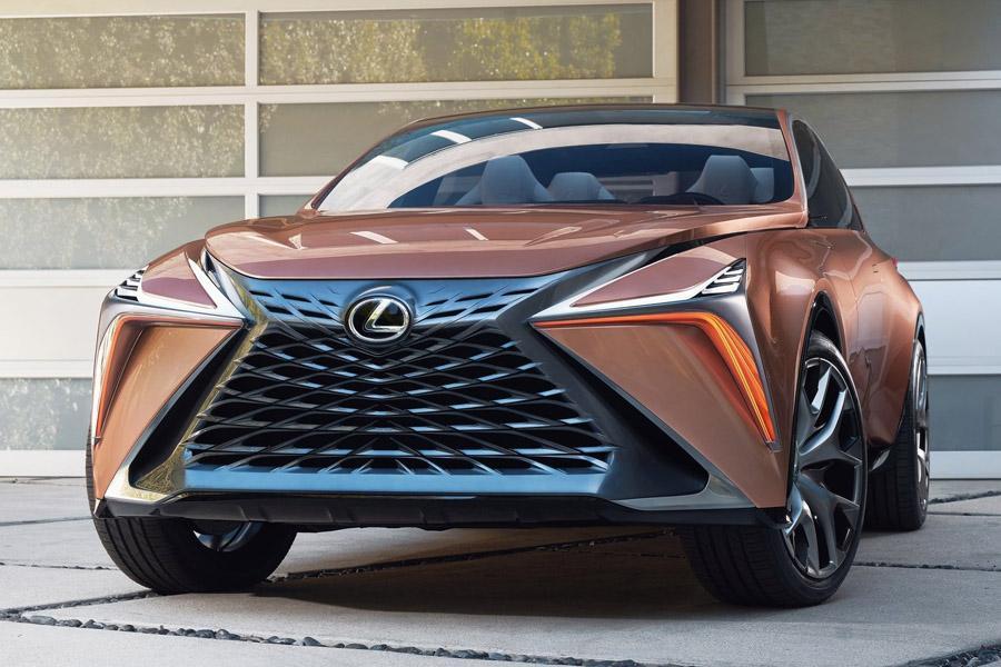 Старые поклонники не оценили новый стиль марки Lexus