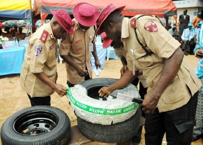 Маршал дорожной службы безопасности Нигерии призвал возобновить выпуск шин в стране