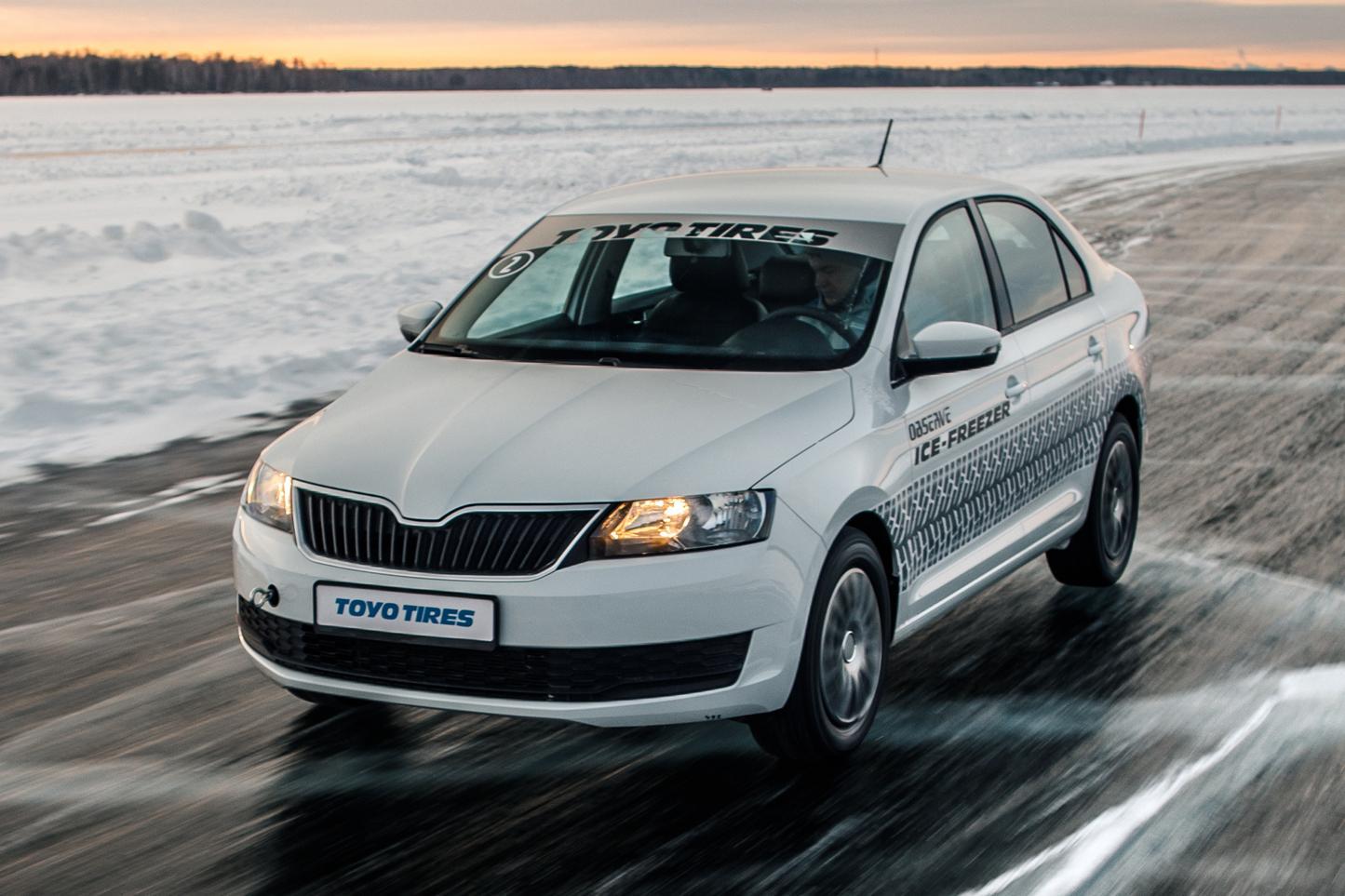 Новые шины Toyo Observe Ice-Freezer протестировали на льду озера Балтым