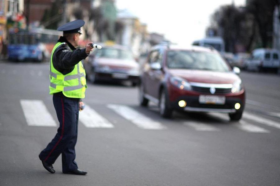 Водителей предложили поощрять за соблюдение ПДД