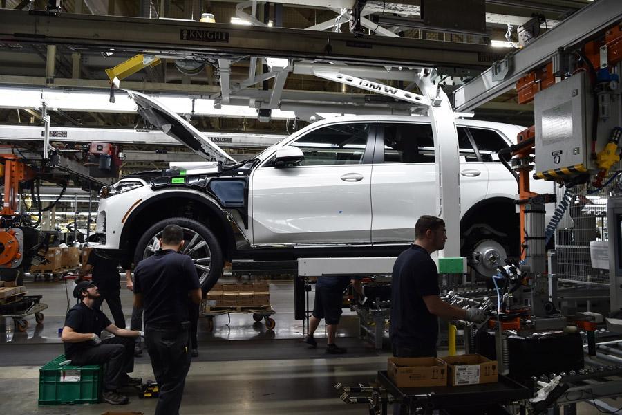 BMW X7 дебютирует только под конец года
