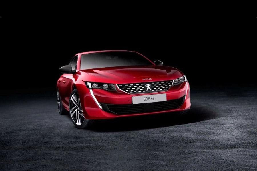 Peugeot 508 раскрыл свою внешность и интерьер