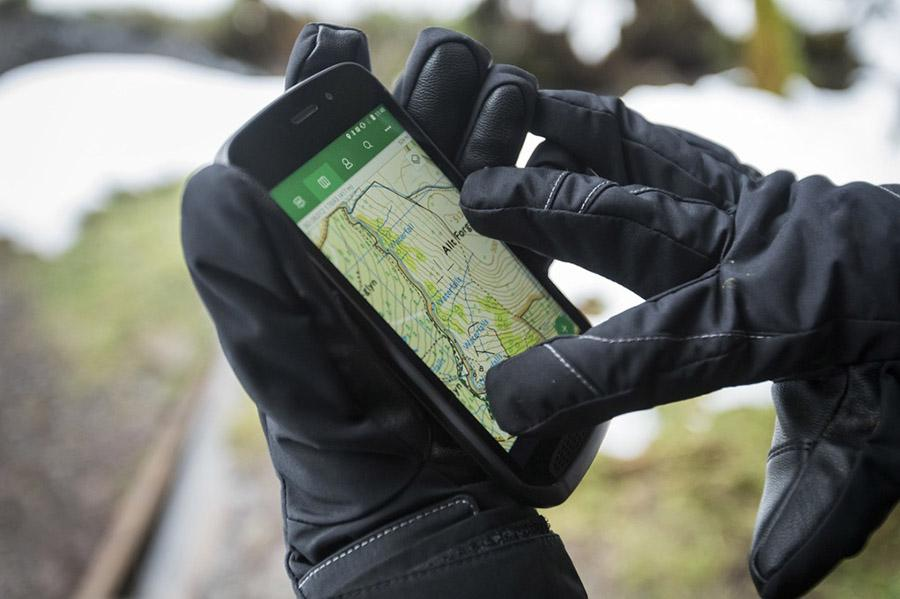 Land Rover выпустил смартфон для экстремалов