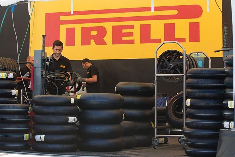 Пирелли вытесняет конкурентов из Германского Супербайка