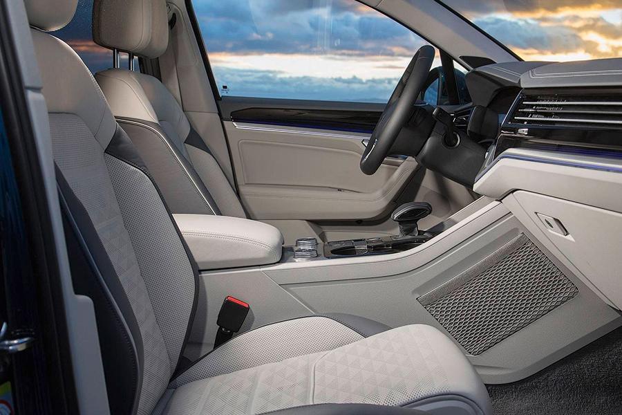 Volkswagen показал новый Touareg на видео