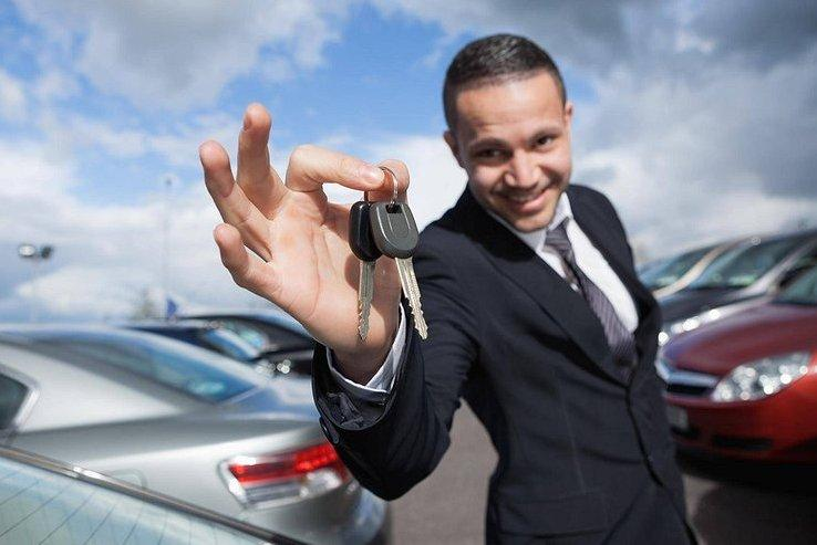 Опрос показал, сколько россиян планируют скоро сменить машину